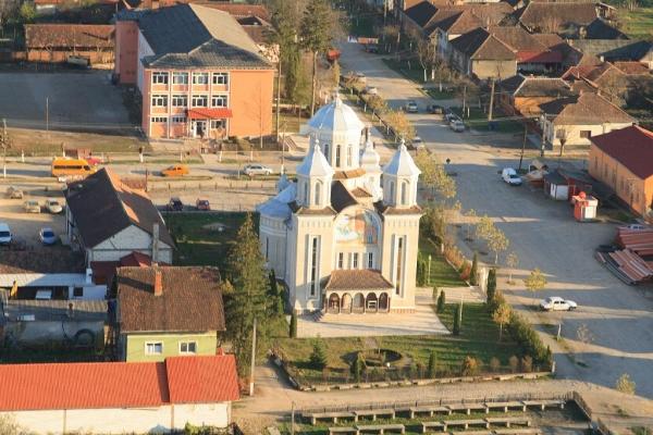 biserica-buna-vestire-gurahont-3A02528BC-97F5-71C6-EC8D-87134C703795.jpg